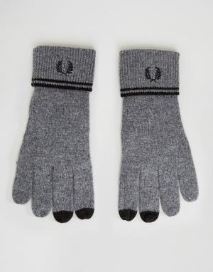 Fred Perry Темно-серые перчатки с добавлением овечьей шерсти и отделкой Perr. Цвет: серый
