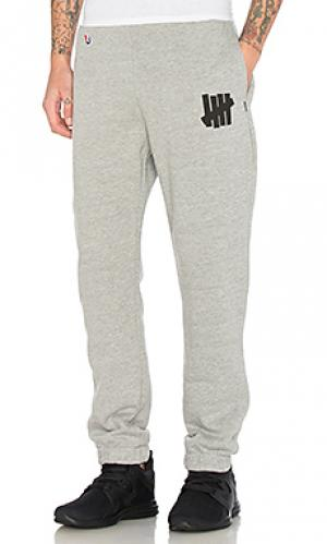 Свободные брюки 5 strike Undefeated. Цвет: серый
