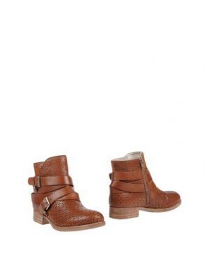 Полусапоги и высокие ботинки ELIANA BUCCI. Цвет: коричневый