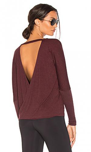 Драпированный пуловер с v-вырезом onzie. Цвет: вишня