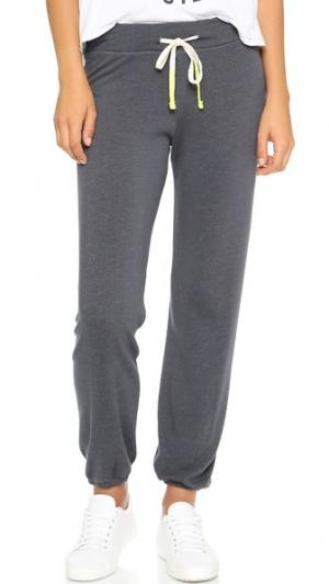 Базовые спортивные брюки SUNDRY. Цвет: темно-серый