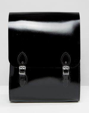 Leather Satchel Company Черный лакированный рюкзак. Цвет: черный