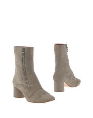 Полусапоги и высокие ботинки MARC JACOBS. Цвет: серый