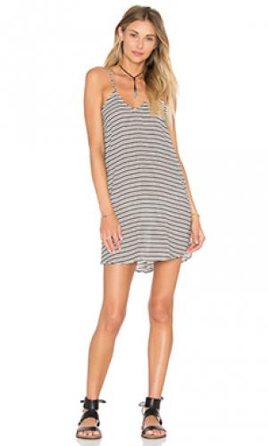 Платье kamaaina Acacia Swimwear. Цвет: белый