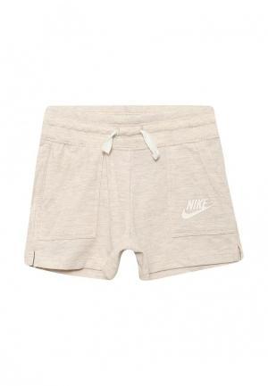 Шорты Nike. Цвет: бежевый