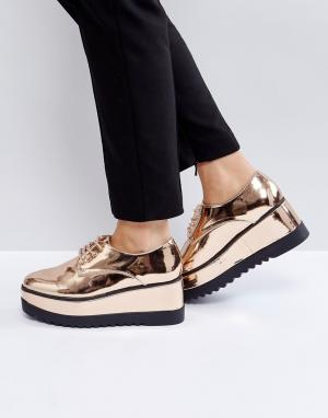 Truffle Collection Туфли со шнуровкой на платформе. Цвет: медный