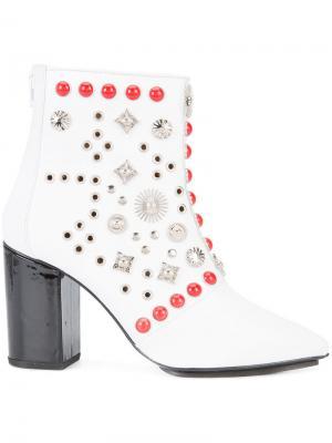 Ботинки по щиколотку с заклепками Toga Pulla. Цвет: белый