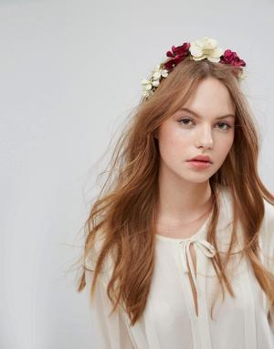 Her Curious Nature Ободок на голову с крупной цветочной отделкой. Цвет: мульти