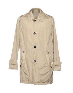 Легкое пальто AQUASCUTUM. Цвет: песочный