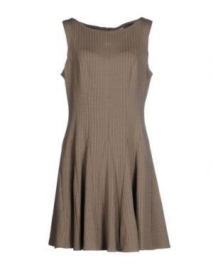 Короткое платье ISSA. Цвет: хаки