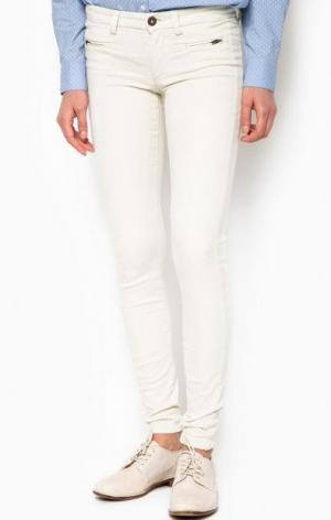 Зауженные брюки молочного цвета Marc O'Polo. Цвет: молочный