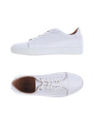 Низкие кеды и кроссовки BAGATT. Цвет: белый