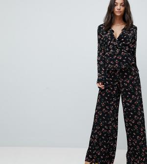 Glamorous Tall Широкие брюки с цветочным принтом. Цвет: черный