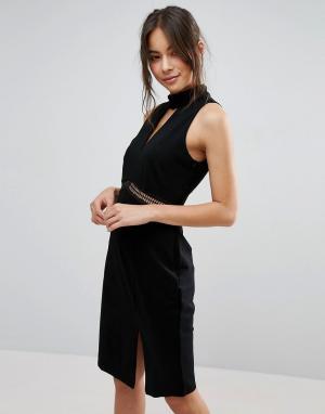 Adelyn Rae Платье с высокой горловиной и разрезом. Цвет: черный