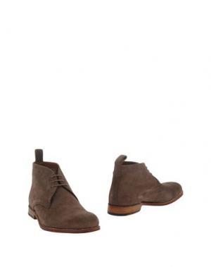 Полусапоги и высокие ботинки GRENSON. Цвет: хаки