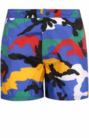 Плавки-шорты с камуфляжным принтом Valentino. Цвет: разноцветный