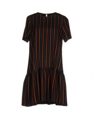 Короткое платье SUOLI. Цвет: синий
