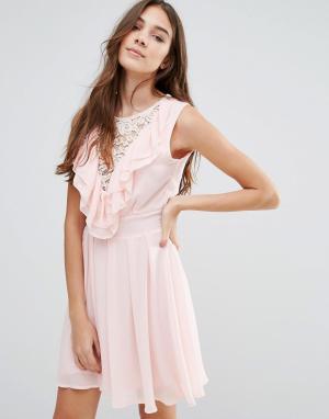 Wal G Кружевное приталенное платье с оборками. Цвет: розовый