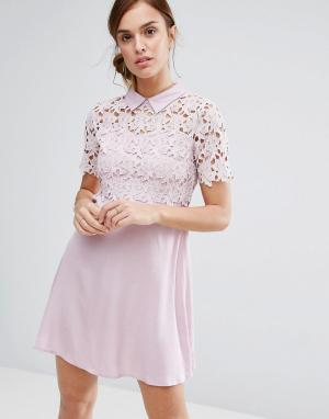 Little White Lies Цельнокройное платье с кружевом и воротником Philo. Цвет: розовый