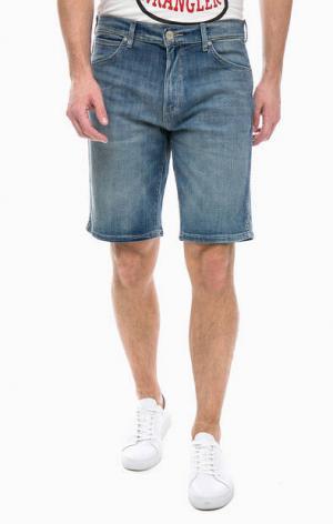 Джинсовые шорты с заломами Wrangler. Цвет: синий