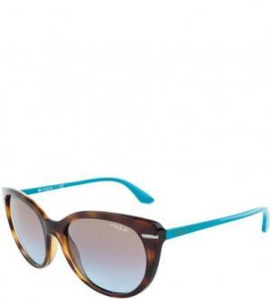 Солнцезащитные очки в пластиковой оправе VOGUE. Цвет: коричневый