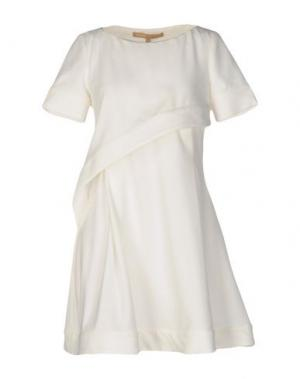 Короткое платье BABYLON. Цвет: белый