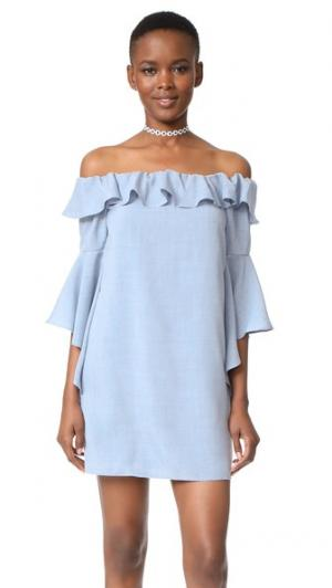 Платье Kiera с открытыми плечами и оборками WAYF. Цвет: шамбре