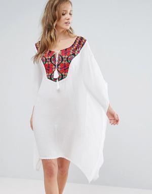 Anmol Пляжное платье мини с вышивкой. Цвет: белый