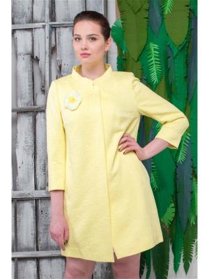 Пальто Мери Versia. Цвет: желтый