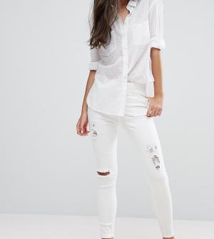 New Look Petite Рваные джинсы скинни. Цвет: белый