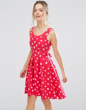 Closet London Короткое приталенное платье в горошек. Цвет: розовый