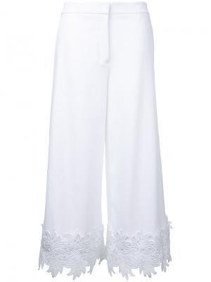 Укороченные брюки с кружевной отделкой Sara Battaglia. Цвет: белый