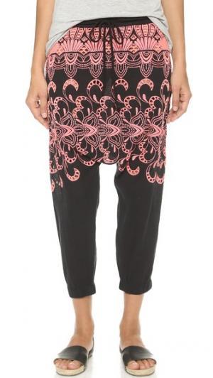 Брюки в восточном стиле с вышивкой Surf Bazaar. Цвет: белый