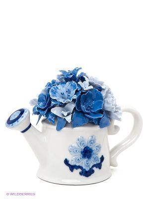 Композиция Лейка с цветами Pavone. Цвет: голубой, молочный, синий