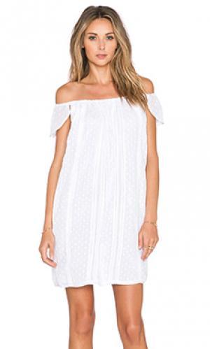 Платье со спущенными плечами alma Love Sam. Цвет: белый