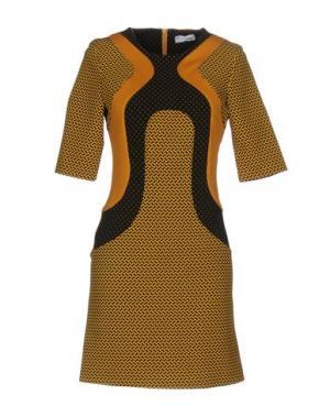 Короткое платье TUWE ITALIA. Цвет: охра
