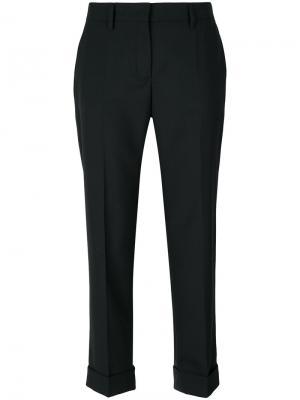 Укороченные классические брюки Prada. Цвет: чёрный