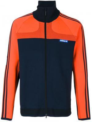 Спортивная куртка Adidas Originals. Цвет: синий