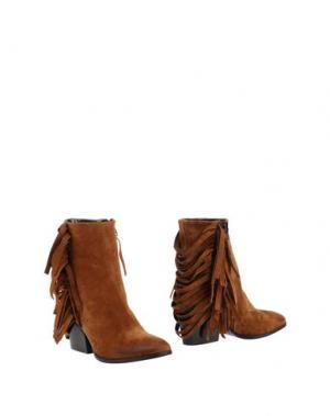 Полусапоги и высокие ботинки FIORIFRANCESI. Цвет: верблюжий