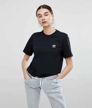 Adidas Originals Черная футболка с небольшой вышивкой логотипа. Цвет: черный