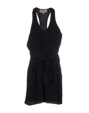 Платье до колена BEAYUKMUI. Цвет: черный