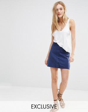 Northmore Denim Джинсовая юбка в стиле милитари на пуговицах. Цвет: синий
