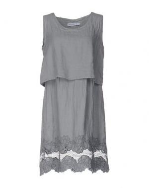 Короткое платье LA FABBRICA DEL LINO. Цвет: серый