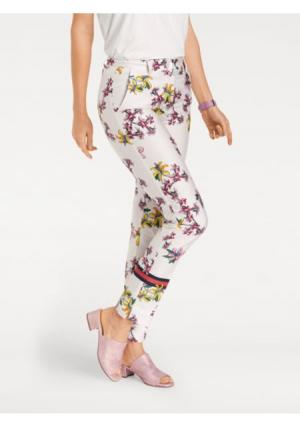 Моделирующие брюки ASHLEY BROOKE by Heine. Цвет: молочно-белый/с рисунком