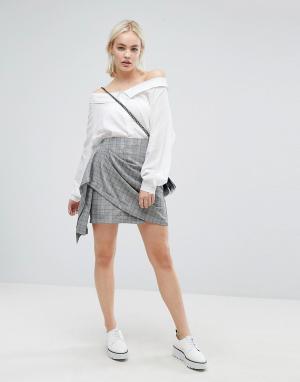 J.O.A Мини-юбка в винтажную клетку с запахом. Цвет: мульти