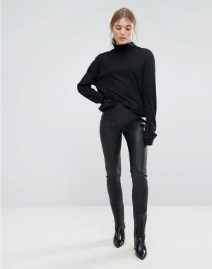 Weekday Кожаные брюки Press Collection. Цвет: черный