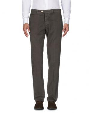 Повседневные брюки D-21. Цвет: темно-зеленый