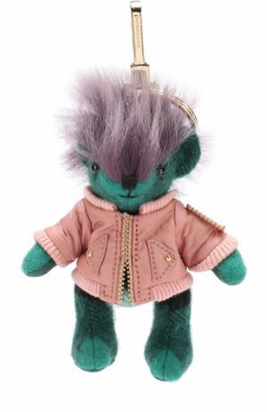 Брелок Thomas Bear в куртке с аппликацией Pallas Heads Burberry. Цвет: зеленый