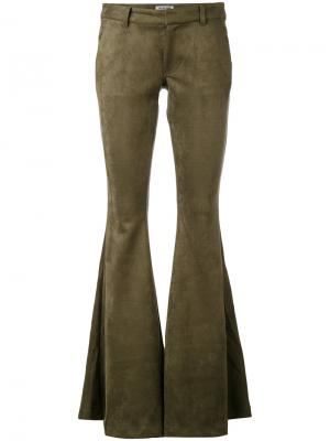 Расклешенные брюки One Teaspoon. Цвет: зелёный