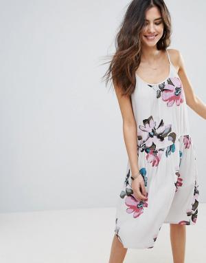 Soaked in Luxury Платье-майка с цветочным принтом. Цвет: мульти